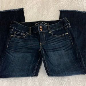 American Eagle Artist sz 6 short raw hem jeans